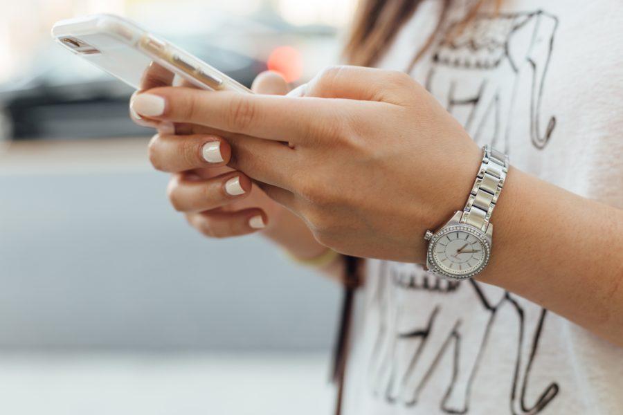 Pop Story - 10 motivi per cui la doppia spunta blu di WhatsApp non è un problema